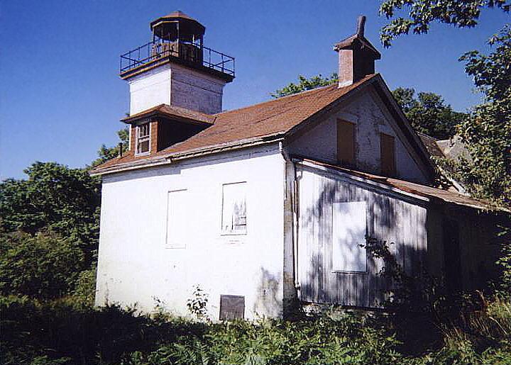 South Fox Island Lighthouse Gallery